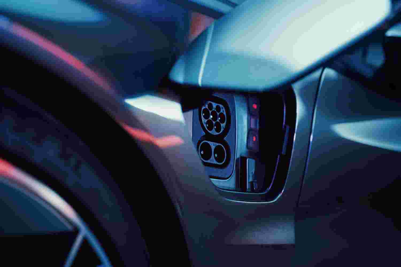 Deanbradshaw Audi Etron3
