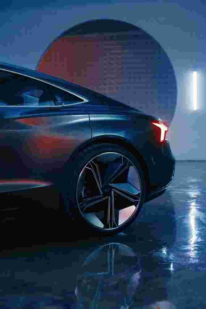 Deanbradshaw Audi Etron7