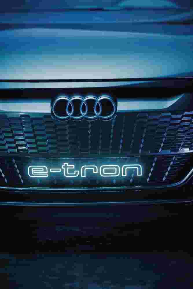 Deanbradshaw Audi Etron8